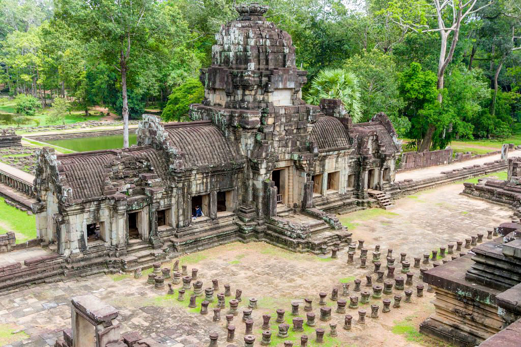 Exploring Angkor Wat Temple Complex in Cambodia 03