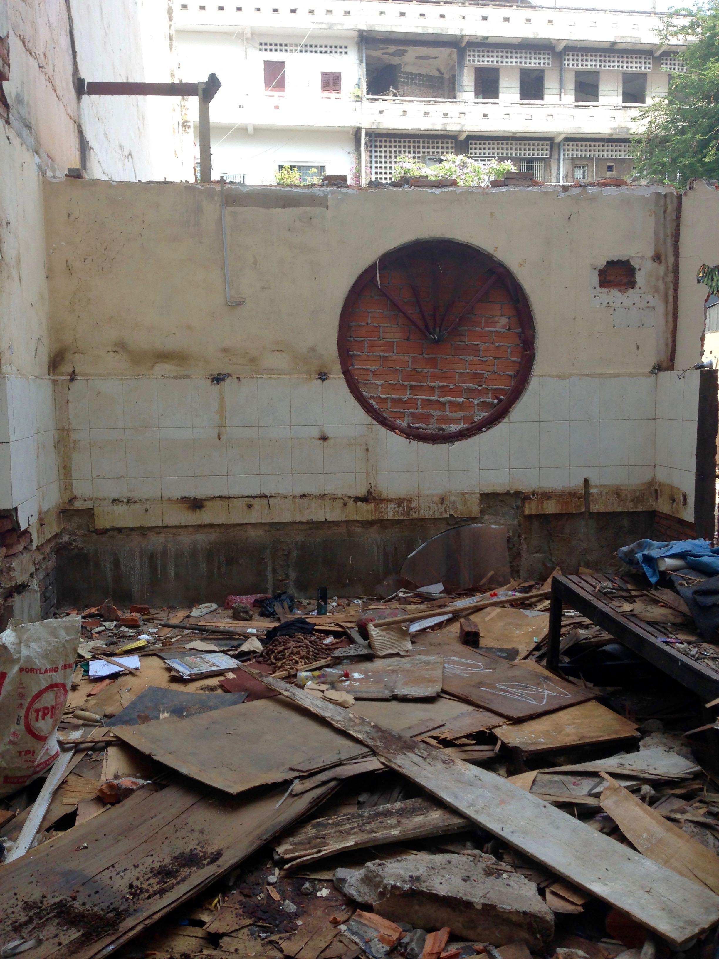 Windows and Walls — The Circle of Life 03