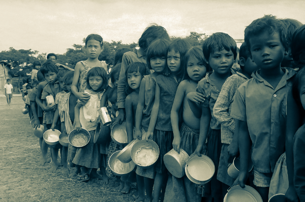 Jan 9. 1975, Cambodian refugee children at Thai border looking for food